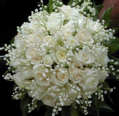 Buque de Noiva com Rosas Brancas