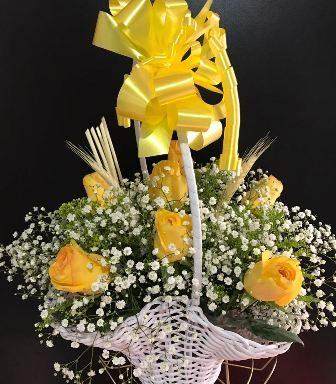 Cesta com Rosas Amarelas